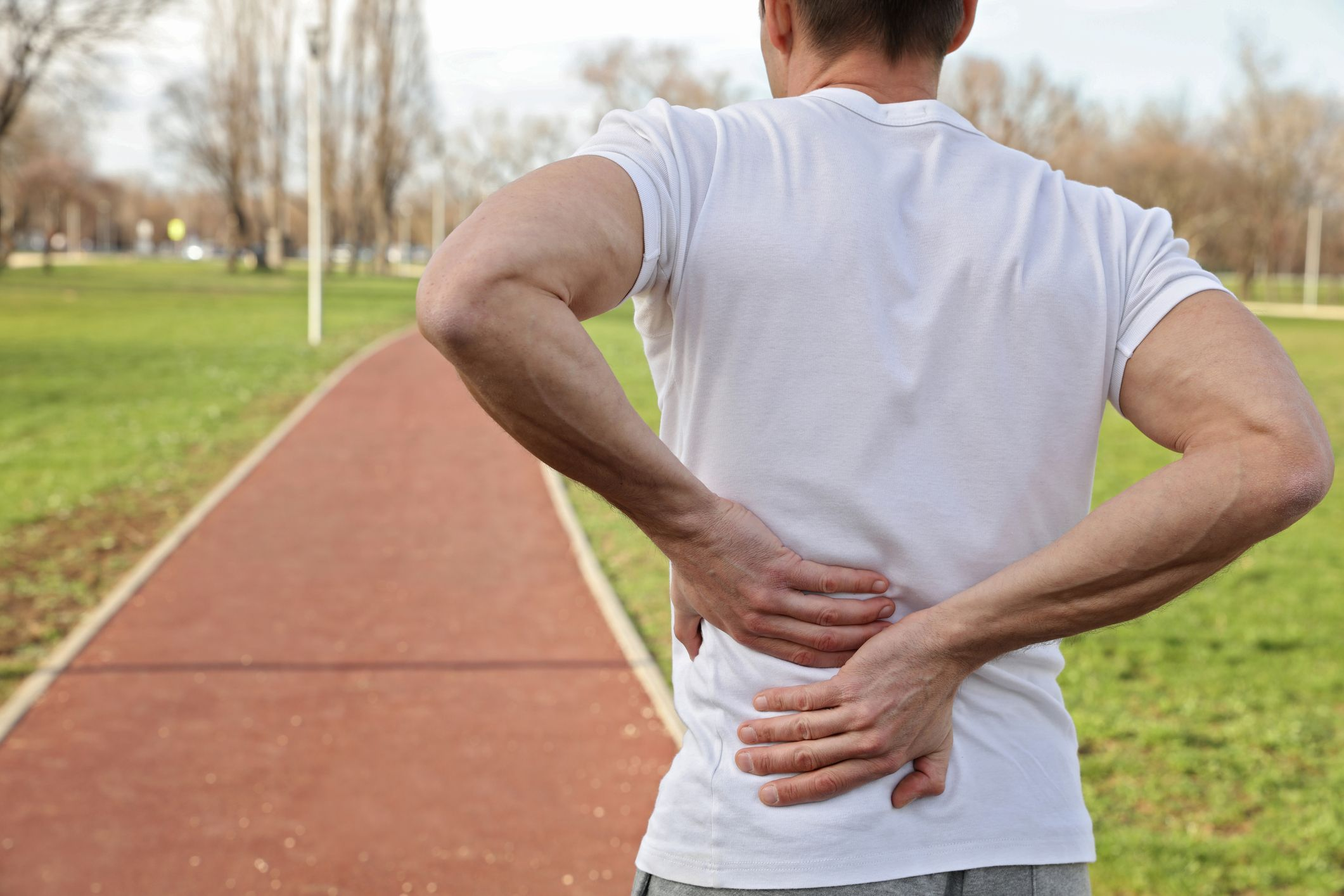 lower back pain above hip